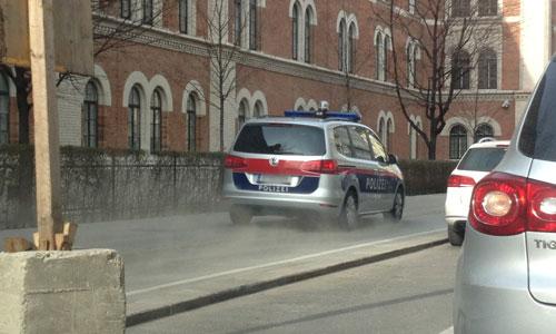 130425-polizei-duest-vorbei