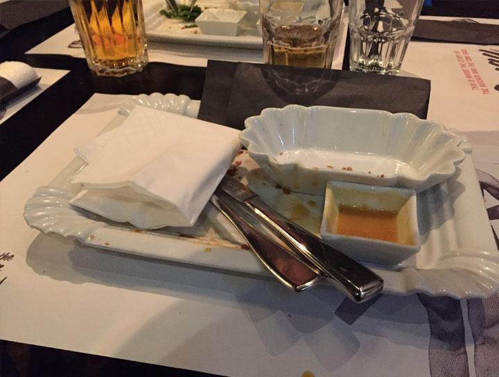 160312-burger-futtern-2